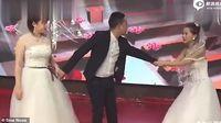 Viral Wanita ke Pernikahan Mantan Pakai Baju Pengantin dan Ajak Balikan