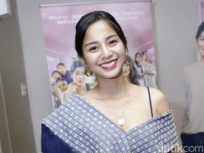 Kirana Larasati asat ditemui di Plaza Indonesia.