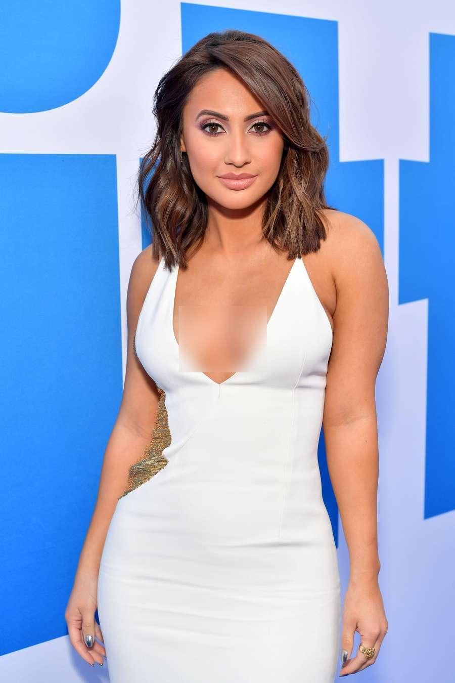 Ini Francia Raisa, Sahabat Selena Gomez