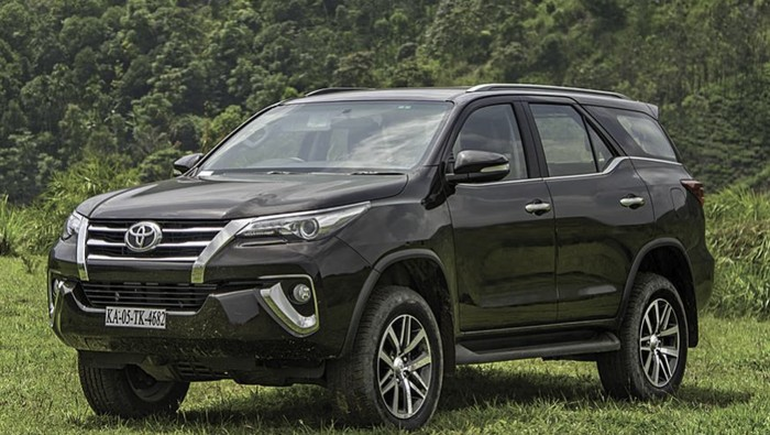 Facelift Toyota Fortuner dan Innova di India