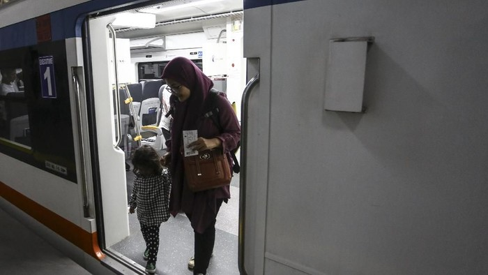 Ilustrasi KA Bandara (Foto: AntaraFOTO/Nova Wahyudi)