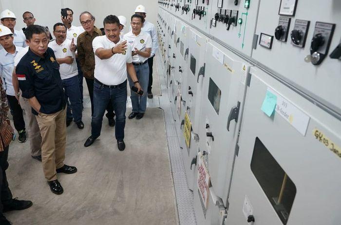 Menteri ESDM (Energi dan Sumber Daya Mineral) Ignasius Jonan meresmikan beroperasinya 3 GI (Gardu Induk) dan SUTT (Saluran Udara Tegangan Tinggi) yang ada Provinsi Aceh. Dok. PLN.