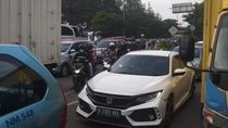 Imbas Truk Mogok di GT Cikunir 2, Lalin di Dalam Kota Bekasi Macet