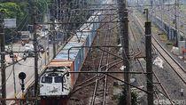 Sinyal Terganggu Kena Petir, Jalur KA Lintas Karawang-Klari Kembali Normal