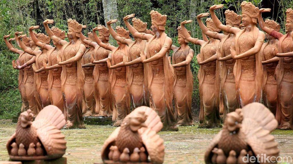 Potret Eksotis Ratusan Patung Penari Gandrung Banyuwangi