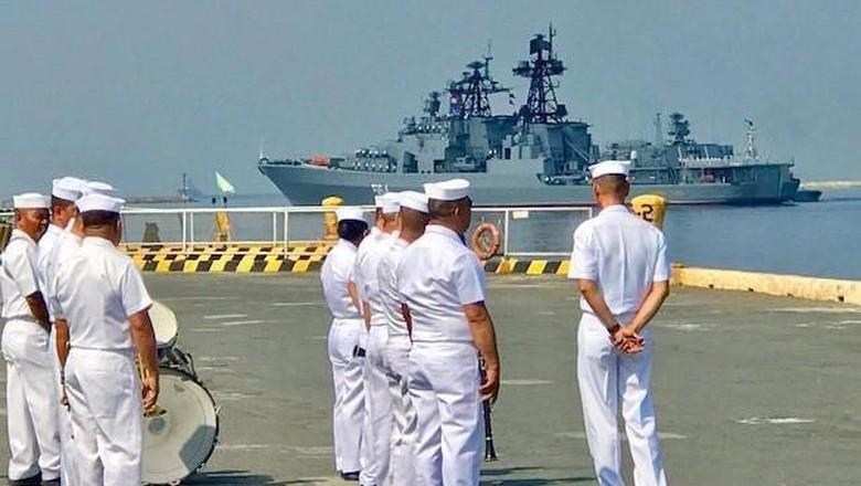 Laut China Selatan Tegang, 3 Kapal Militer Rusia Tiba di Filipina