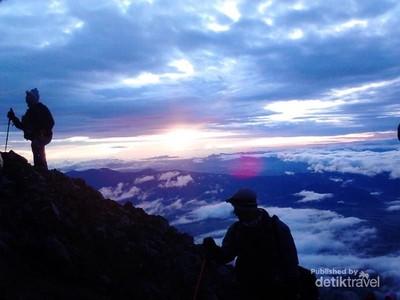 Jelajahi Gunung Kerinci dan Pesonanya Lewat Tur Virtual