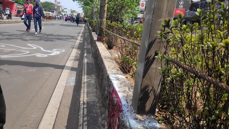 Foto: Olah TKP di Jalan Margonda (Matius Alfons/detikcom)