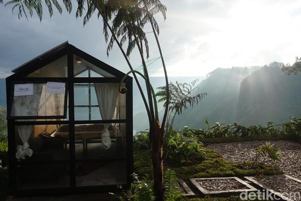 Ada juga kabin di atas bukit, dengan pemandangan Danau Toba yang cantik (Shinta/detikcom)