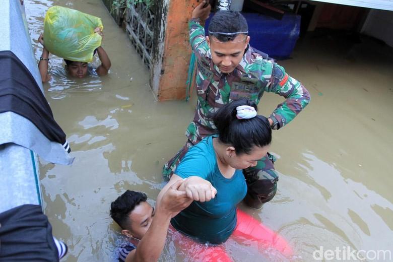 Dear Pemenang Pilpres, Ini Harapan Warga Korban Banjir Bandung