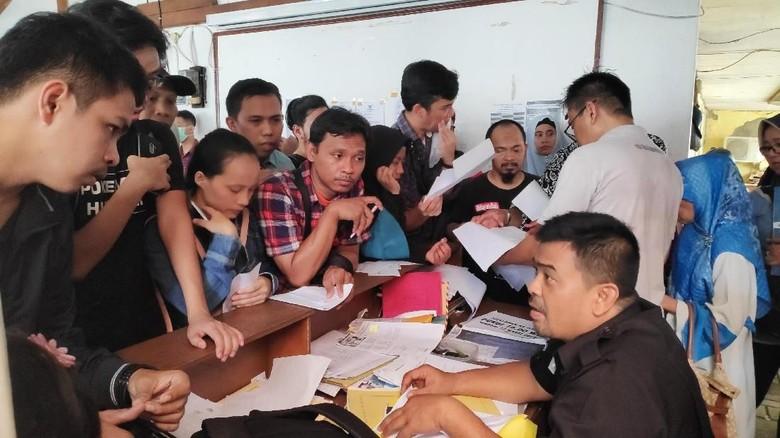 Mahasiswa Dominasi Pengurusan Pindah TPS di KPU Depok