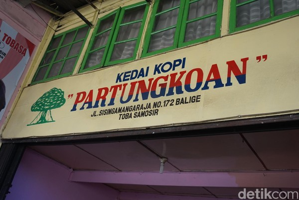 Kopi Partungkoan terletak di Jalan Sisingamangaraja, No 172, Balige, Toba Samosir, Sumatera Utara (Shinta/detikcom)