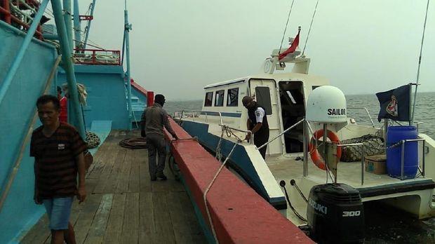 Banyak Sampah Teluk Jakarta, Bakamla Ingatkan Awak Kapal Setop Pencemaran