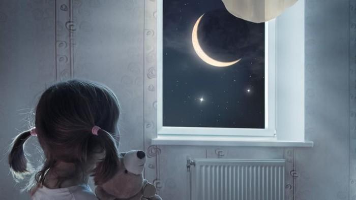 Ilustrasi anak terbangun. Foto: iStock