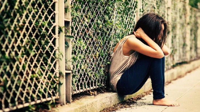 Lama mengidap skoliosis, gadis ini sering dibully. Foto ilustrasi: iStock