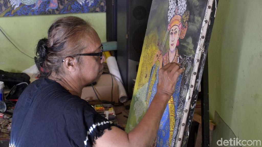 Sempat Dianggap Gila, Pria Ini Sukses Bikin Karya Seni Pakai Canting