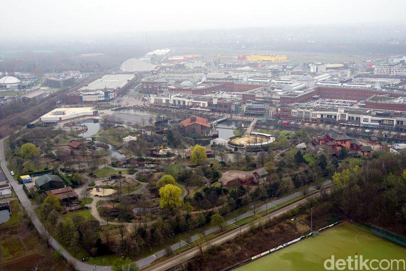 Kota Oberhausen di masa lalu terkenal akan industri beratnya. Saat zaman semakin maju dan industri berat mulai ditinggalkan, Oberhausen mulai mengembangkan pariwisata. (Wahyu Setyo/detikcom)