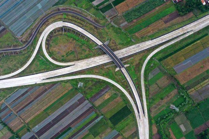 Tol Pasuruan-Probolinggo (Paspro) memiliki panjang 31,30 kilometer (km) 31,30 km masuk sebagai proyek strategis nasional (PSN) dan masuk ke dalam jaringan tol Trans Jawa. Arief Budi Mulyanto/Biro Komunikasi Publik Kementerian PUPR via CNBC Indonesia.
