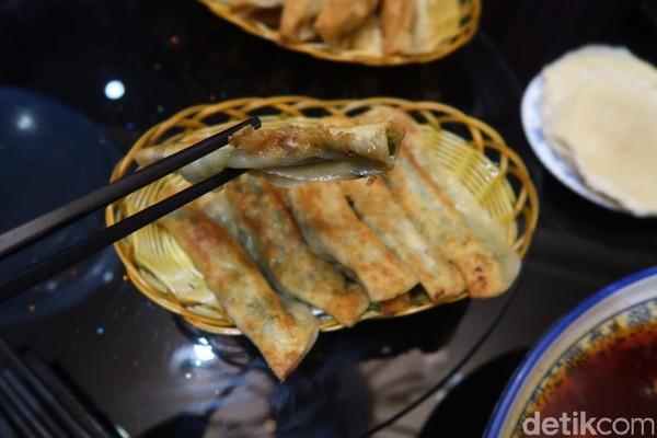 Tapi ada juga lho dumpling goreng isi sayur. (Bonauli/detikcom)