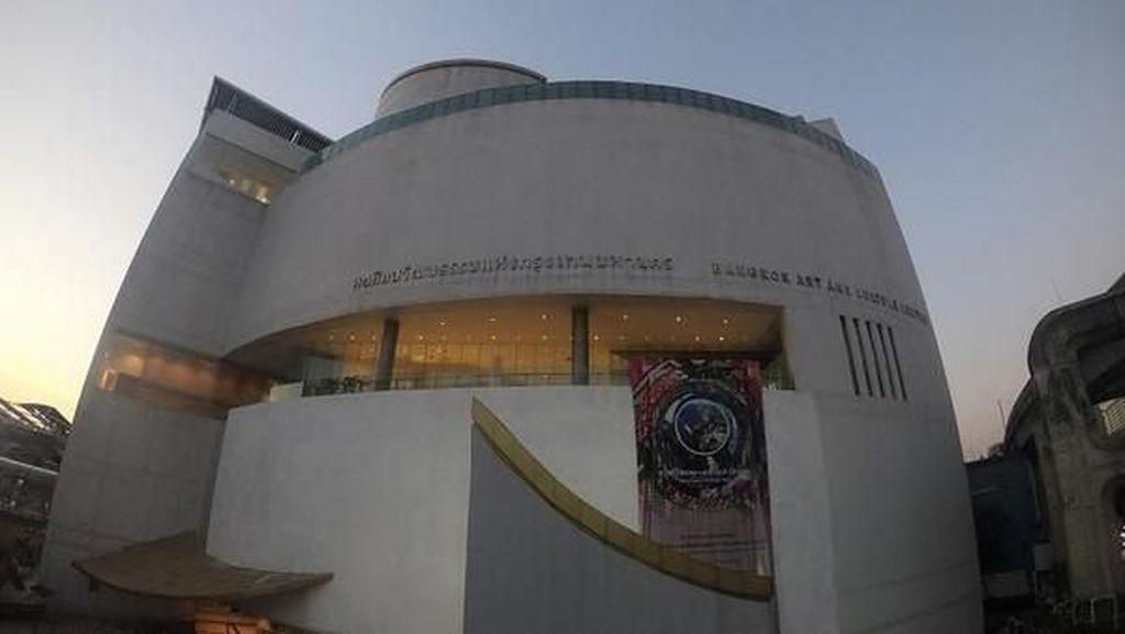 Ada Galeri Seni di Tengah Riuhnya Kota Bangkok