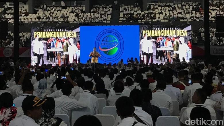 Jokowi Temui 5.000 Kepala-Perangkat Desa se-Indonesia di Tennis Indoor Sore Ini