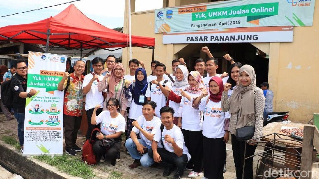 Kominfo Gerebek Pasar Pangandaran, Emak-emak Diajak Go Online
