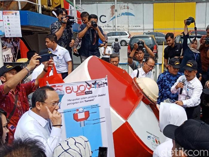 Badan Pengkajian dan Penerapan Teknologi (BPPT) meluncurkan Buoy Merah Putih. (Eva/detikcom)
