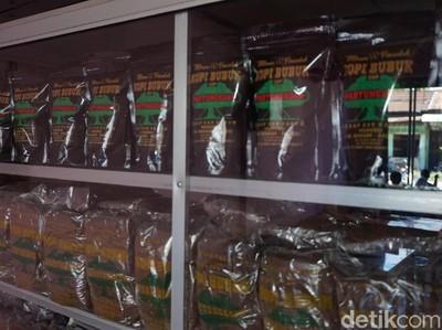 Foto: Tempat Ngopi Ala Jokowi di Toba Samosir