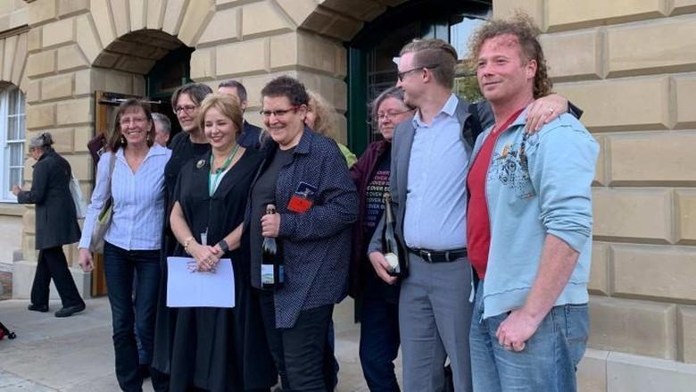 Warga Tasmania Boleh Tidak Cantumkan Keterangan Gender di Akta Kelahiran