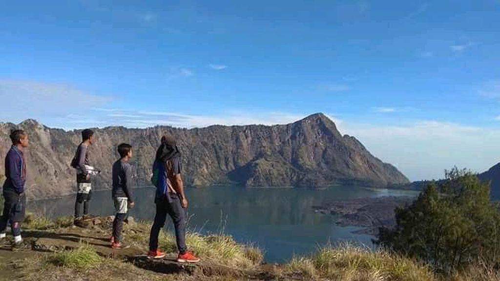 IAGIPertanyakan Pengelolaan Gunung Rinjani Setelah Setahun Jadi Geopark