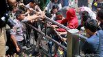 Aksi Bakar Ban Warnai Peringatan 2 Tahun Novel Baswedan