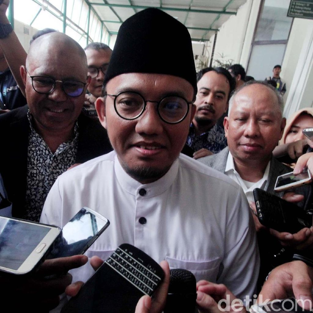 Zulkifli Hasan Bertemu Jokowi di Istana, BPN: Wajar, Tak Bahas Politik