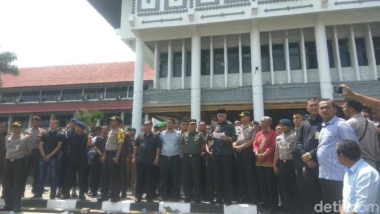 Di Depan Mahasiswa, Plt Gubernur Aceh Jelaskan Kronologi PT EMM Dapat Izin