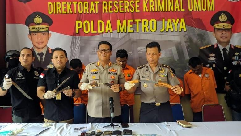 Polisi Tembak Mati Ketua Perampok Nasabah Bank Modus Gembos Ban