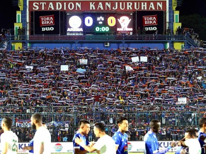 Aremania di Stadion Kanjuruhan/Foto: Muhammad Aminudin