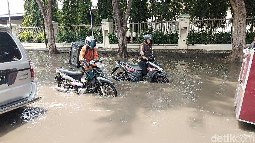 CVT Motor Matik Terendam Banjir, Segera Lakukan Hal Ini