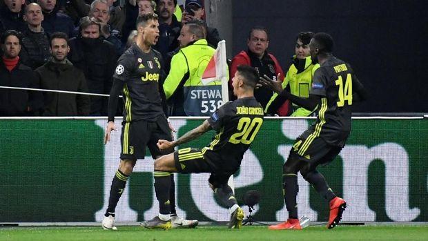 Juventus bermain imbang 1-1 di markas Ajax Amsterdam.