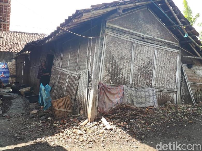 Derita Taswi, Janda Tua di Brebes yang Tinggal di Gubuk Reyot