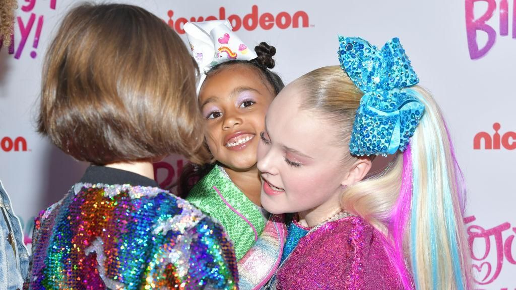 Saat North West Eksis di Red Carpet Pesta Ultah YouTuber Jojo Siwa