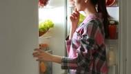 Wouw! Ibu Ini Potong Semua Sayuran Untuk Stok Masakan Selama Setahun