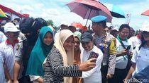 Rini Soemarno ke Riau, Warga Rohul Titip Salam ke Jokowi