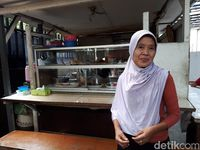 Warteg Mama Iyah Dekat Istana yang Sering Disambangi Menteri