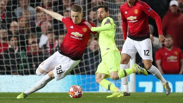 Scott McTominay jadi salah satu pemain yang membuat Messi tak berkutik.