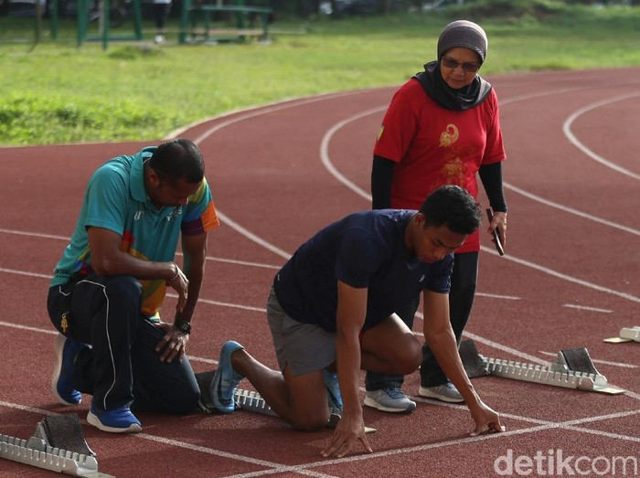 Pelatih Lalu Muhammad Zohri disodorkan undangan oleh Asosiasi Atletik Asia dan bakal dinobatkan sebagai pelatih terbaik di Asia.