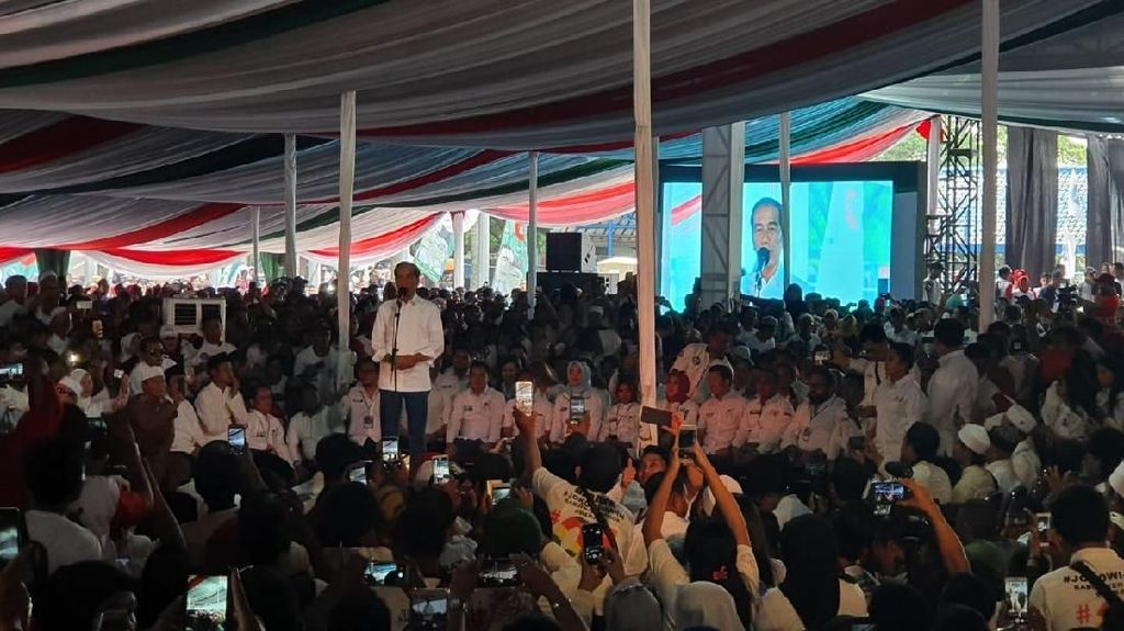 Jokowi Kampanye di Sentul, Ifan Seventeen Isi Acara