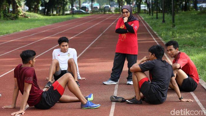 Tim estafet putra saat berlatih di Stadion Madya, Senayan. (Agung Pambudhy/detikSport)