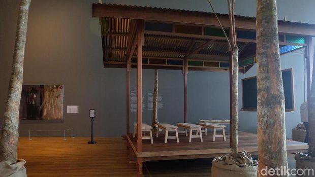 Shooshie Sulaiman Ajak Pengunjung Dewasa Main Karet di Museum MACAN
