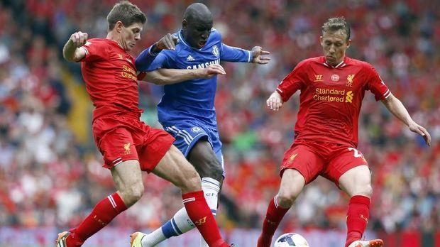 insiden Steven Gerrard terpeleset saat melawan Chelsea pada 2014 hingga kini masih menghantui suporter Liverpool.