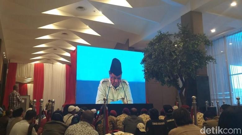 Terpejam, Prabowo Saksama Dengarkan Orasi Bung Tomo