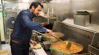Restoran Ini Bagikan Makanan Gratis Untuk 16.000 Orang Tiap Tahun